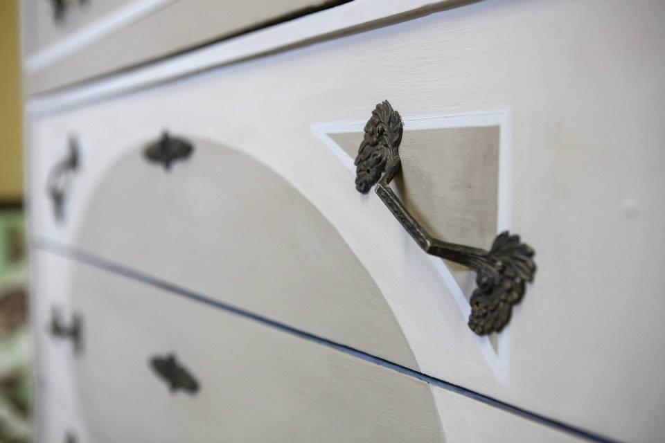 Restyling romantico cassettiera anni '20