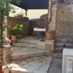 Cortile in pietra antica